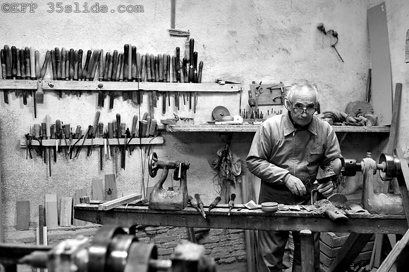 The Woodworker, Spain