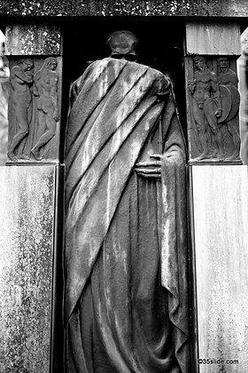 Skeleton Tomb, Italy