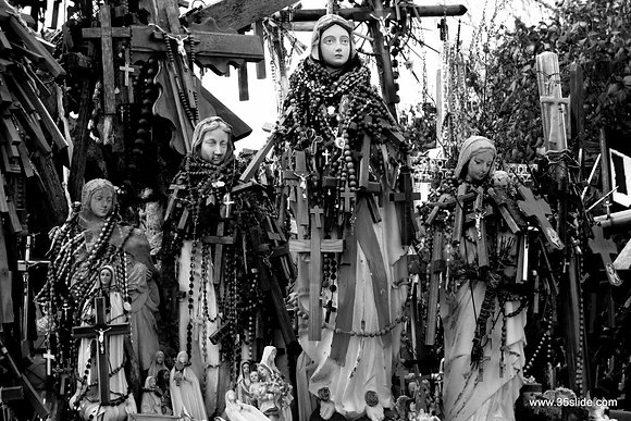 Marys Wrapped in Rosaries, H. of C., Lithuania