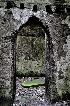 Toppled Tomb, Ireland