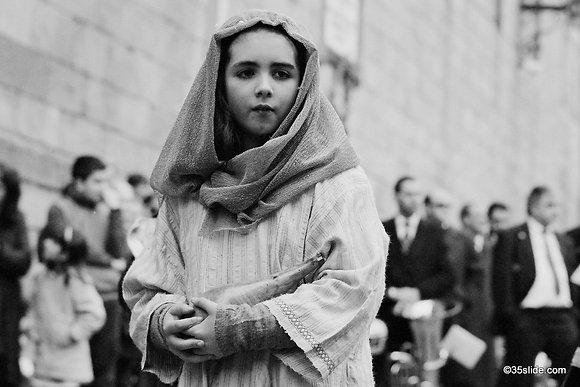 The Shepherdess, Spain