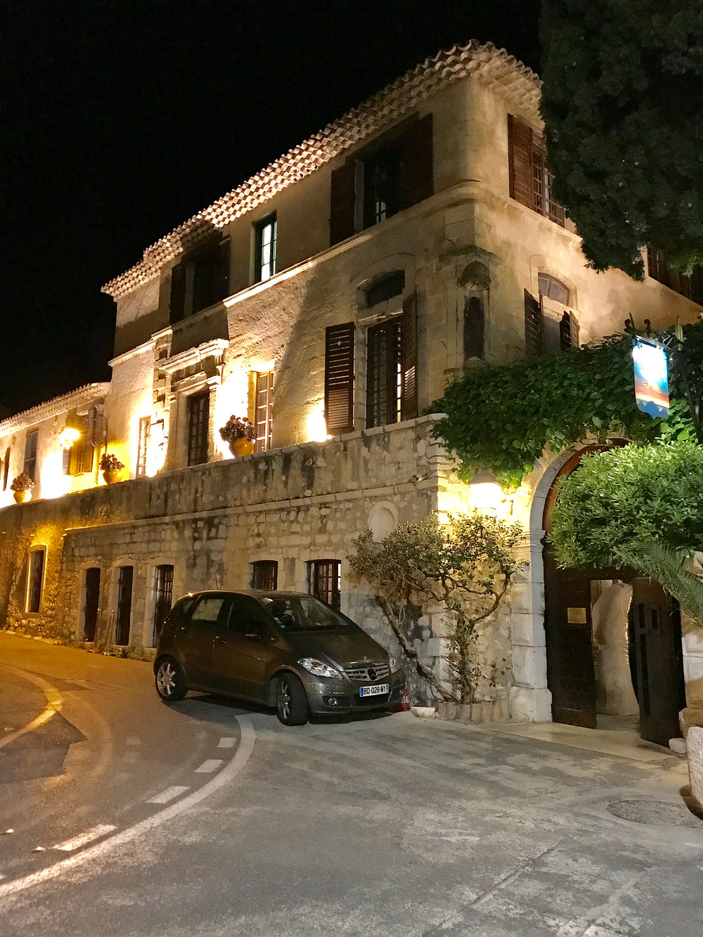 La Colombe D'Or at night!
