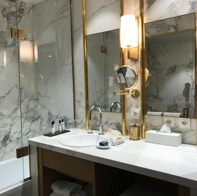 Gorgeous bathroom decor