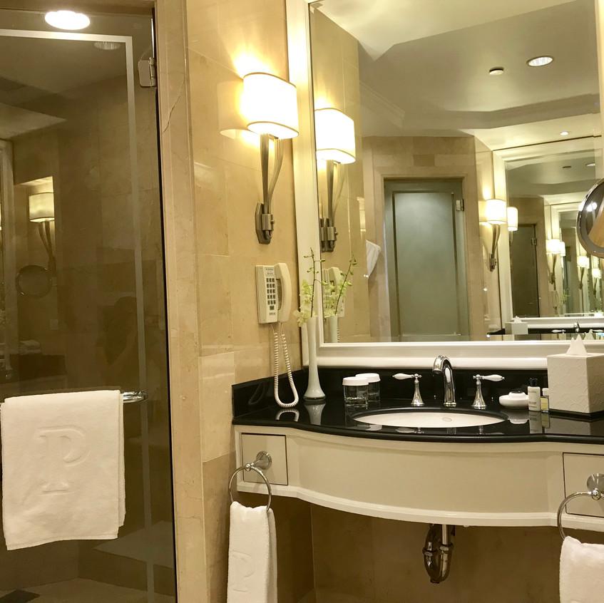Separate bath/shower