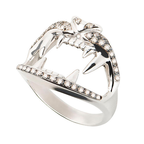 White Gold and Diamonds Lion's Kiss Ring