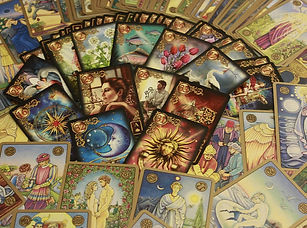 divination classes - picture of tarot cards