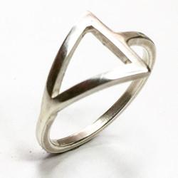 Arrow Geometric Ring