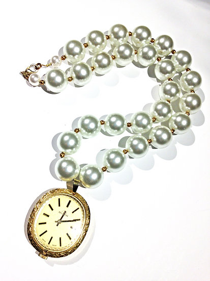 Fob Watch Chunky Pearl Necklace
