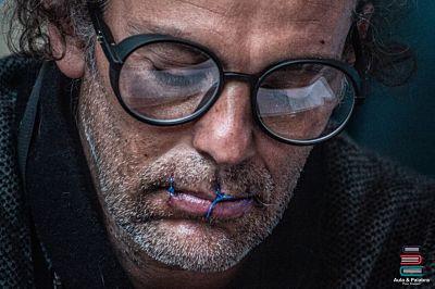 John Fitzgerald, artista plástico en huelga de hambre.