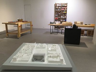 En 1991, Edgar Guzmanruiz hizo un Semestre de intercambio en la Academia Real Danesa de Bellas Artes, en Copenhague, Dinamarca.
