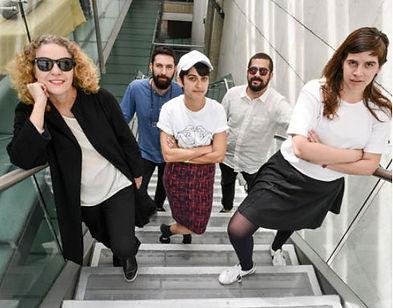 María Acaso con integrantes de LaAgencia: Santiago Pinyol, Sebastián Cruz, Mónica Samudio y Mariana Murcia. /Foto: cortesía de Juan Sebastián García.