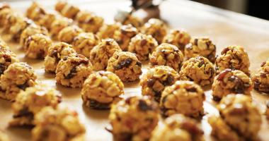 making-florentine-biscuits-banner-coffee