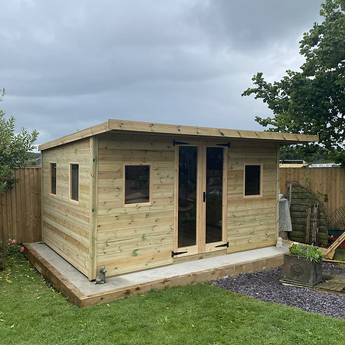 Garden room with extended roof
