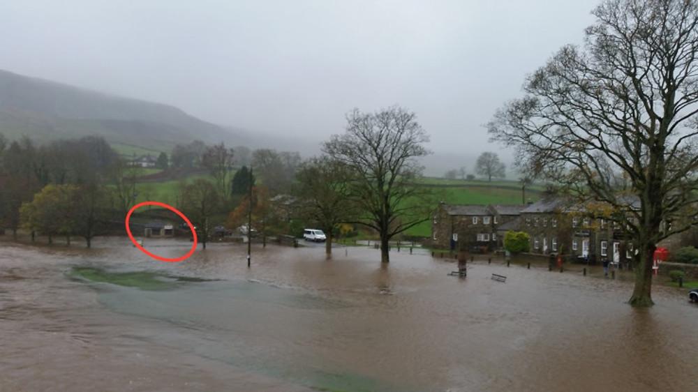 flooding-winter-15-16-hut-marked