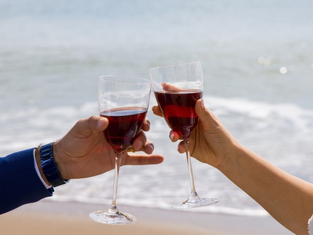 DOES DRINKING RED WINE (IN MODERATION, OF COURSE!) REDUCE YOUR RISK OF DEVELOPING CATARACTS?
