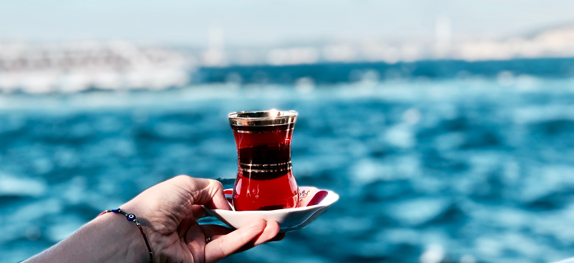 çay at the Bosporus