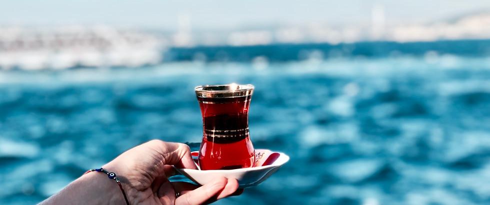çay at the Bosporus