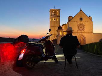 """""""Ride back to Freedom"""", un road-movie in Vespa per documentare l'Italia post lockdown."""