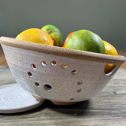 Berry Bowl, Fruit Bowl, Colander, collander, farmhouse bowl