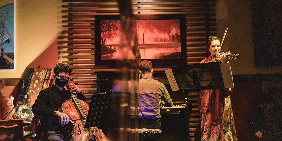 """Noite Cine-Música - """"Piano Trio"""" - Rebeca Vieira ao violino, André Alves ao piano e Advaldo Silva ao cello"""