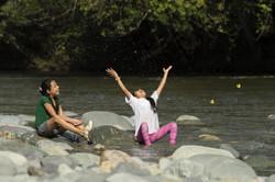 Las aguas límpias del río Cuyes (Gualaquiza) son fuente de recreación para propios y extraños.