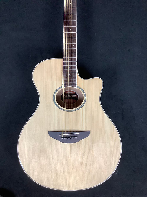 Yamaha Acoustic Electric APX600 Natural