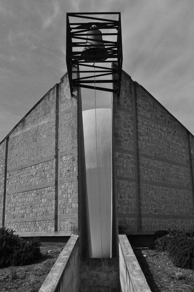 il pianeta di cemento_02 dall'opera chiesa madre di Ludovico Quaroni