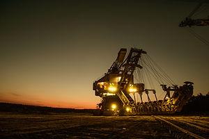 mining-excavator-1736293.jpg