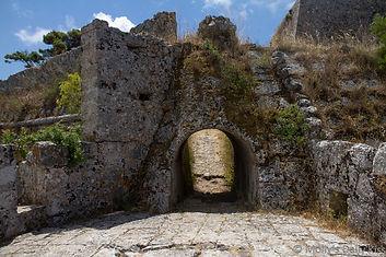 castle-arch.jpg