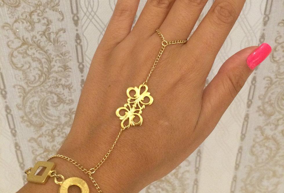 Hand Chain Lola