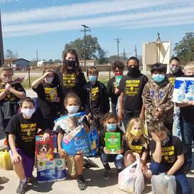 Yorktown Elem School Student Council Officers Donate...