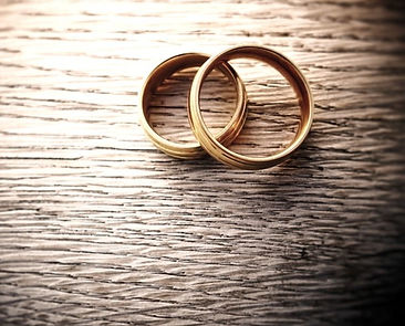 170606-better-marriage-two-rings-se-258p_22986446d055b00a3afa5203fd330e9c_edited_edited_edited.jpg