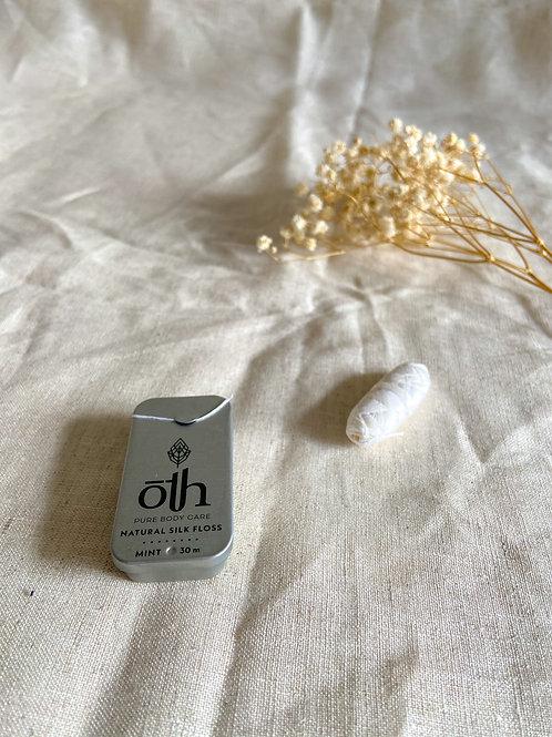 Fil de soie dentaire compostable