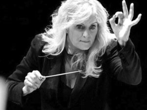 Amy Andersson, Conductor Momo Wong, Violin Orchestra Moderne NYC