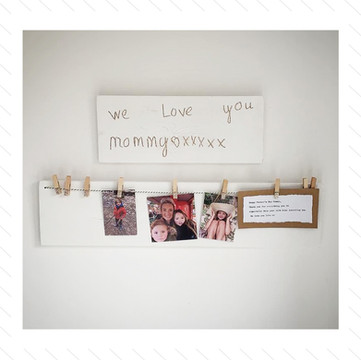 'We Love You Mommy' Photo-Board