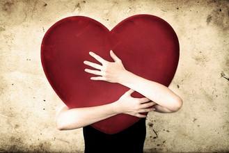 """A idolatria do """"amor"""" redentor"""