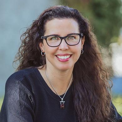 Lynn Carmer Author Profile Pic.jpg