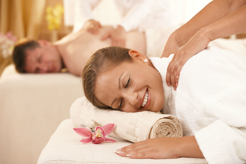 Relaxing-Couples-Massage.jpg