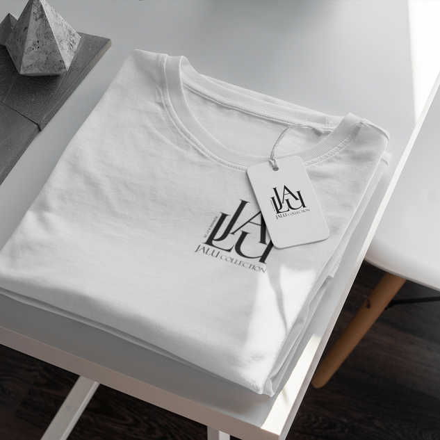 mockup-of-a-t-shirt-with-a-clothing-tag-