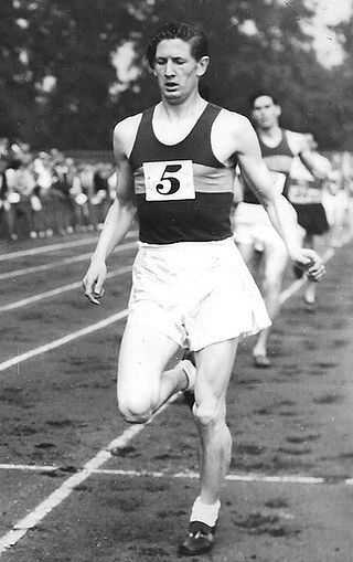 1953 Bob Taylor wins the Heathfield Trop