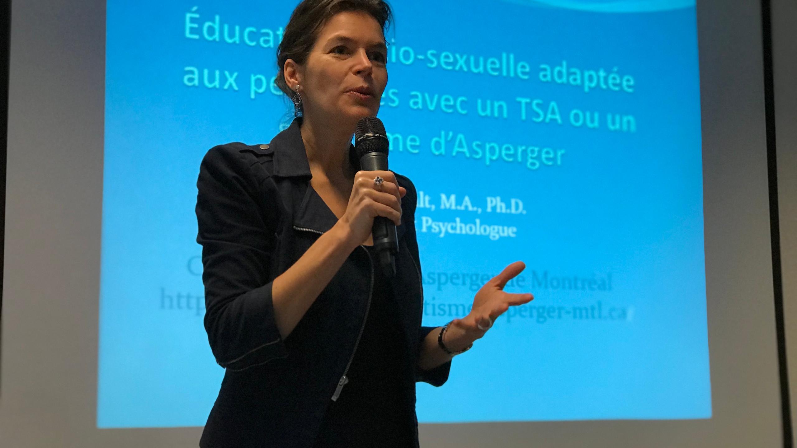 Dott.ssa Hénault durante conferenza