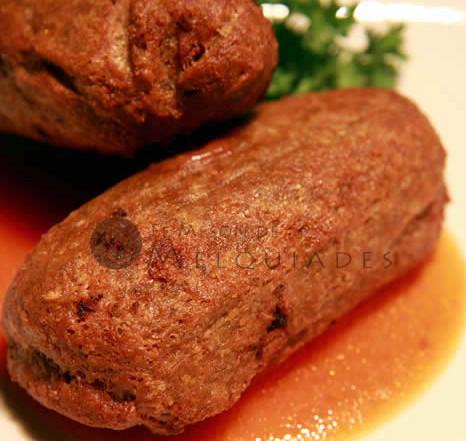 Alcapurrias rellenas de corned-beef