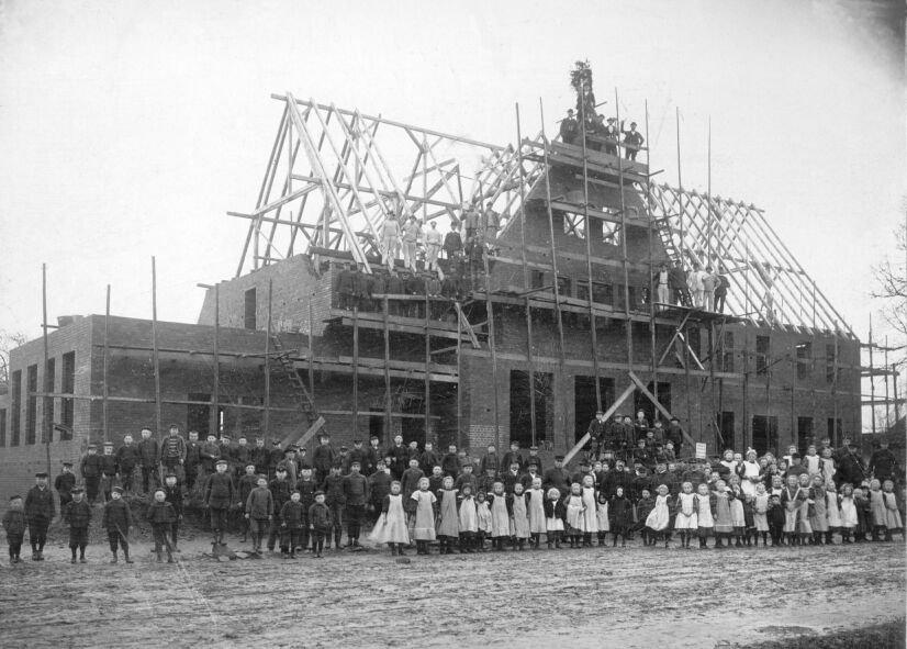 Richtfest Alte Schule 1910.jpg