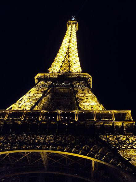 Torre a noite.JPG