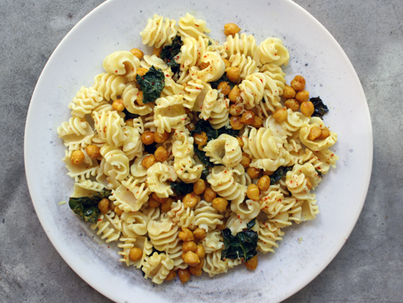 Lemon Radiatore With Crispy Chickpeas and Kale