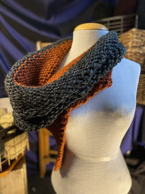 charcoal & spice Scottlorde cowl