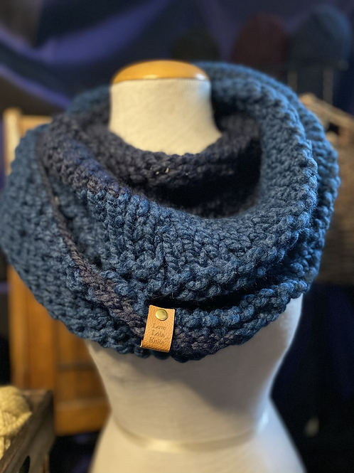 navy & petrol Tiffany cowl