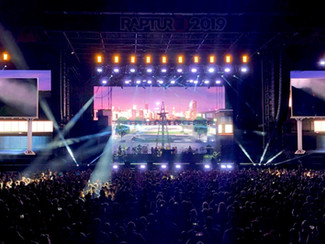 BROMPTON TECHNOLOGY CREATES A SPECTACLE ON THE EMINEM RAPTURE TOUR