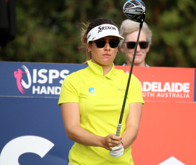 Green closes in as Jin-Young holds lead