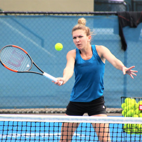 Women's Tennis star prepares in Adelaide